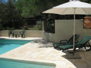 La piscine du Mas des Cades